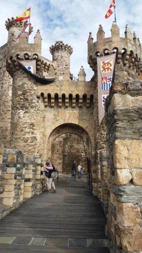 Der Eingang in die Templerburg